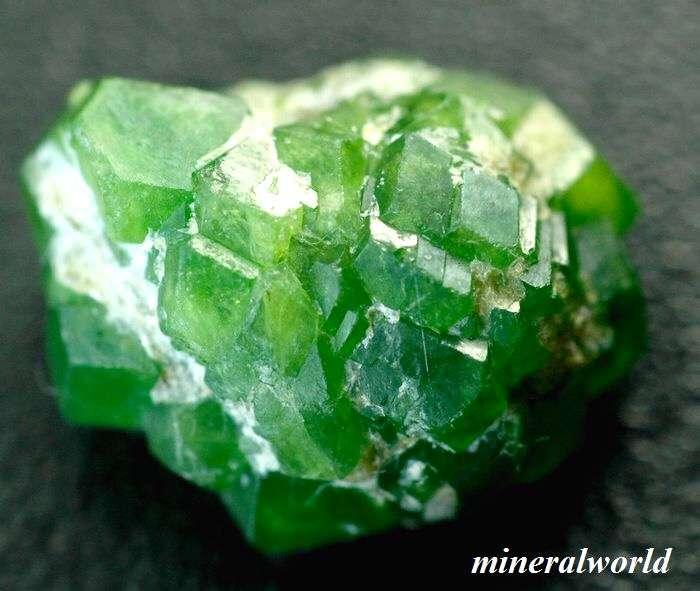 鉱物好きな人いますか?