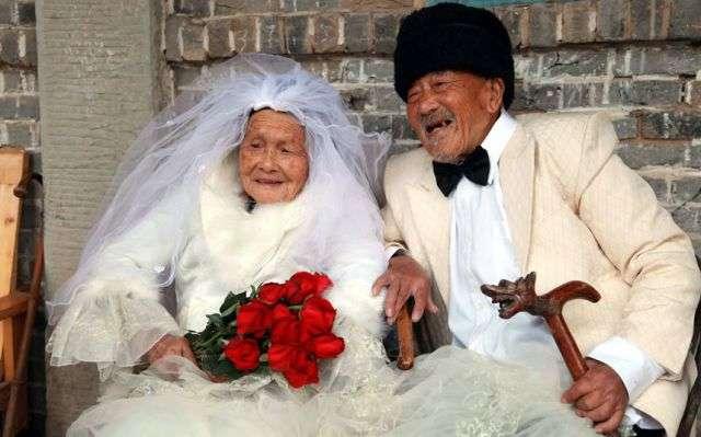 結婚式&披露宴は何才までOK?