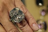 1400円で買ったアクセサリーが5000万円以上の価値を持つ超貴重な本物のダイヤモンドだった