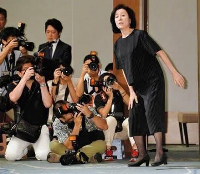 高畑淳子、へそ出し衣装でベリーダンス披露 3週間で5キロ減