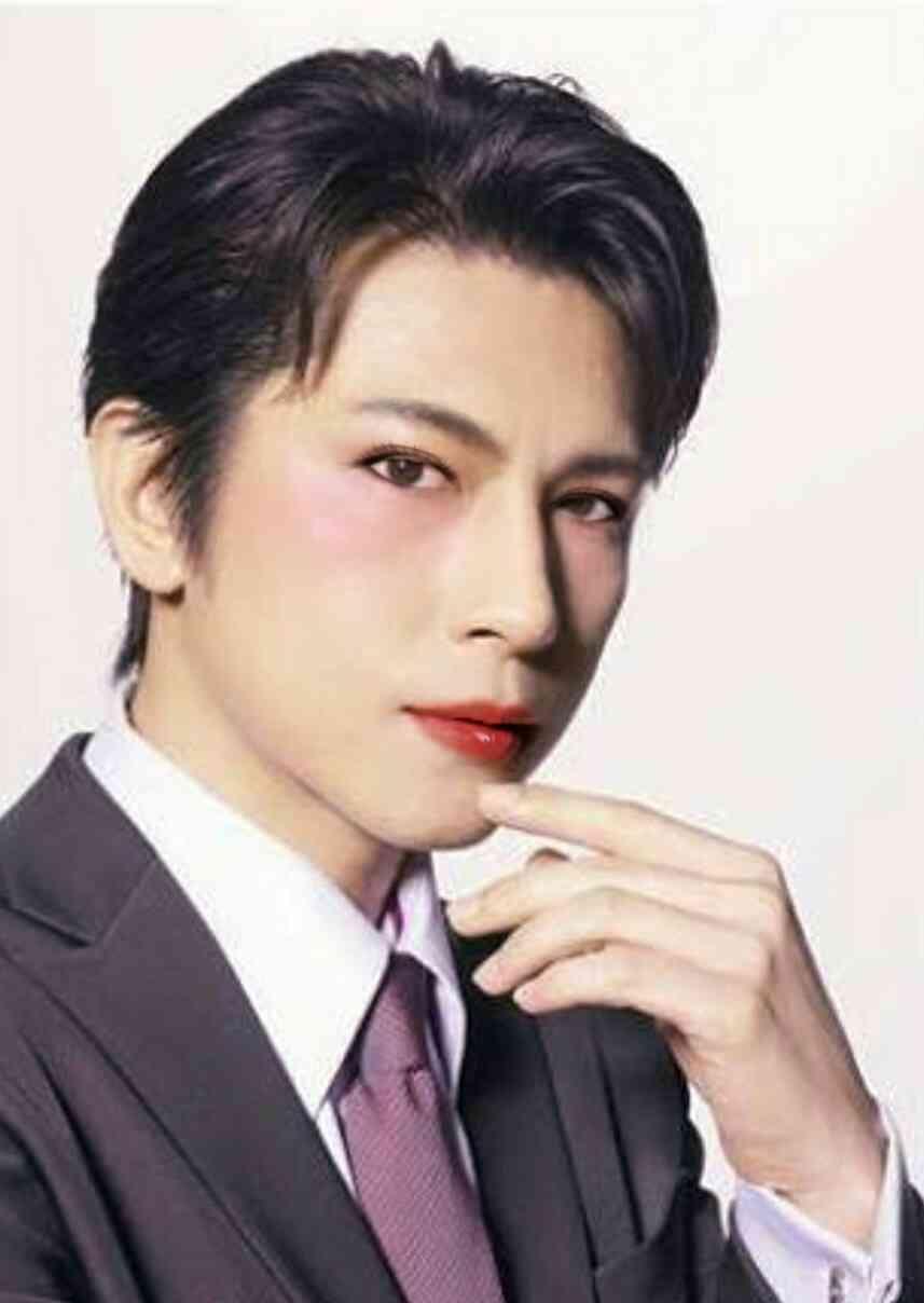 男性芸能人を勝手にメイクして誰が一番オネエっぽく綺麗になるか検証