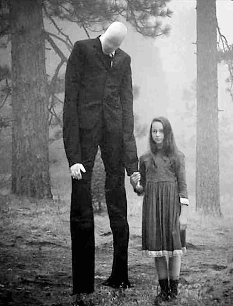 ローラ、長すぎる脚&美腹筋に注目集まる「何頭身?」「まるで二次元」