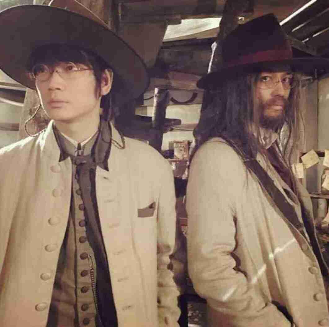 綾野剛とジョニー・デップ…いや、斎藤工! 雰囲気たっぷりの2ショットにファン興奮