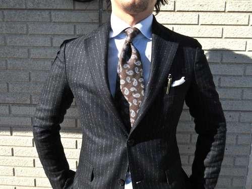 ユニークな柄のネクタイを集めよう!