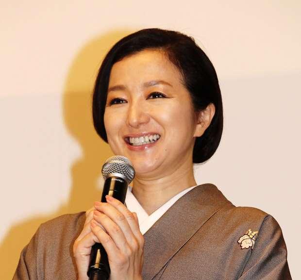 鈴木京香、長谷川博己と格差埋まるもなかなか結婚しないワケ