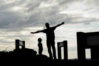 夫が子供に価値観を押し付ける