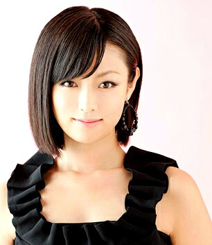 深田恭子が美脚あらわ 美の秘訣「日々の積み重ね」
