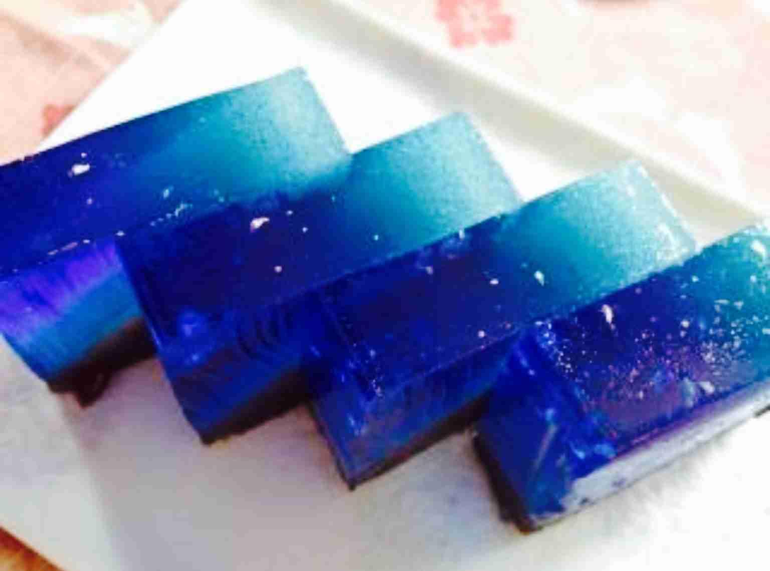 涼しげなお菓子を貼るトピ