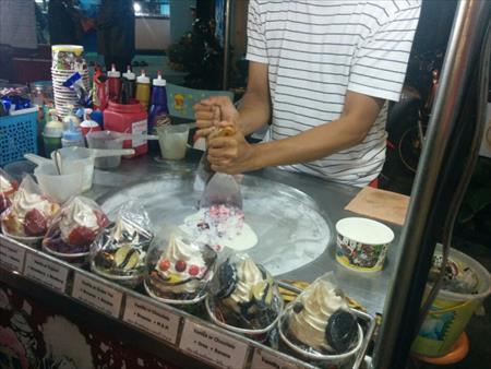 """【インスタ映え】NYで人気""""ブーケ""""のようなロールアイスクリームが原宿に上陸。カスタマイズは無限大"""