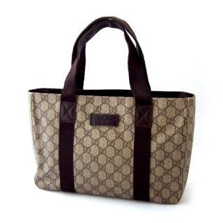 大学生が持つブランドバッグ