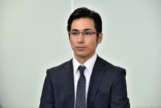 """高橋一生、メガネ姿の""""高橋店長""""再び 主婦に興奮?"""