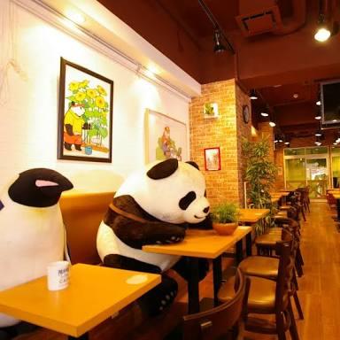 カフェで混雑時・満席時に飲食物がないのにいつまでも長居する人は迷惑?