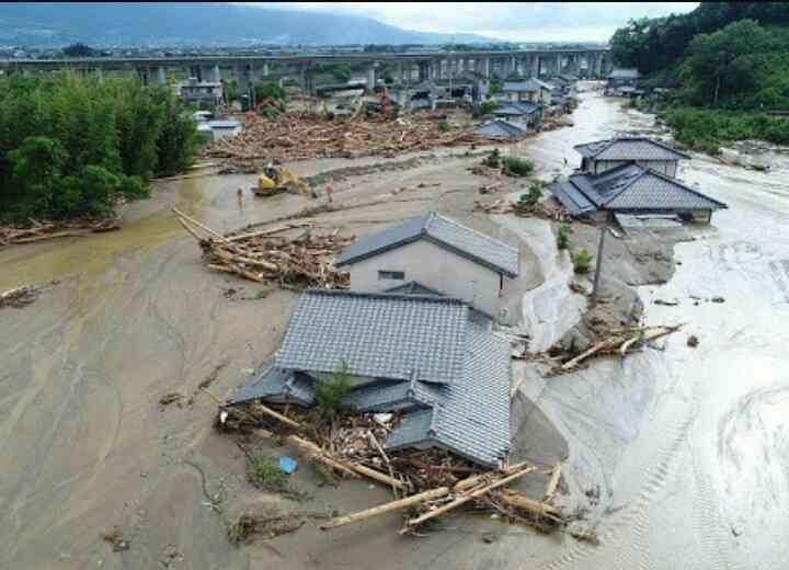 <九州豪雨>飼い犬、8日後に救出 がれきの中 福岡・朝倉
