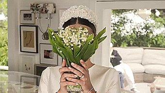 バラだらけで挙式!  ミランダ・カー、美しいウエディングドレス姿を公開