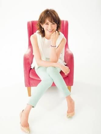 モデルの高垣麗子が第1子の長女を出産