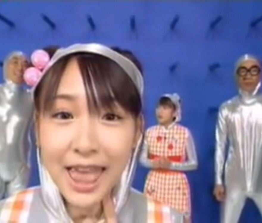 加護亜依、水着ショットを披露!変わらないスタイルに反響
