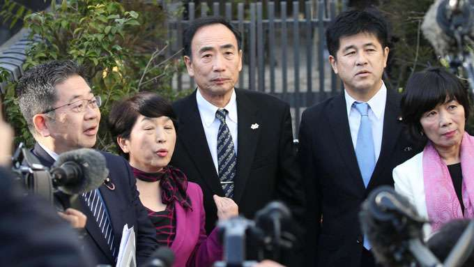 森友学園の籠池泰典前理事長と妻を逮捕 国の補助金を不正受給の疑い