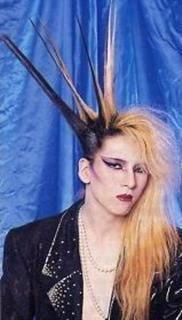今思うとスゴいヘアスタイルだった有名人