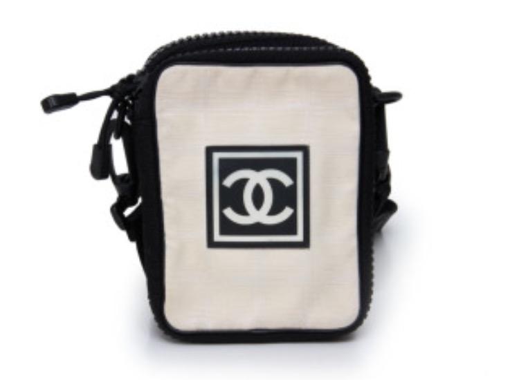 コンパクトサイズのブランドバッグ