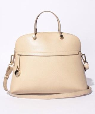 バッグの流行、気にしますか?