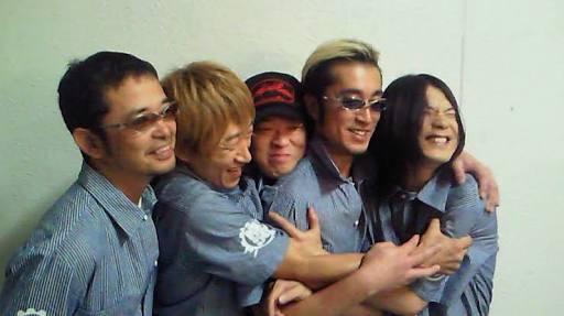 メンバーの仲が良いミュージシャン