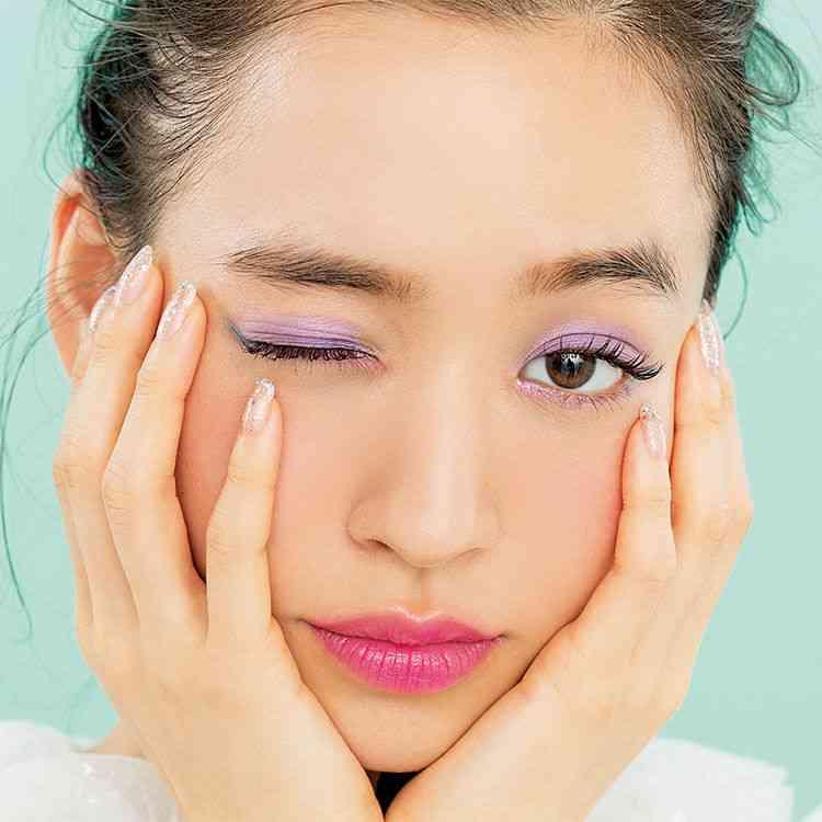 青みピンクのコスメ好きな方~!