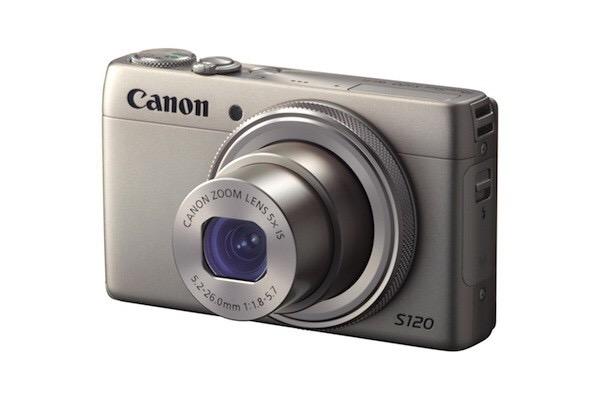 スマホとは別にカメラ持ってますか?