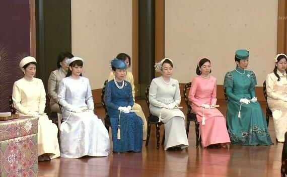 皇太子ご一家、静養で須崎御用邸に…下田に到着