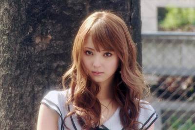 板野友美&河西智美、アリアナ・グランデのライブ参戦 双子風コーデも披露