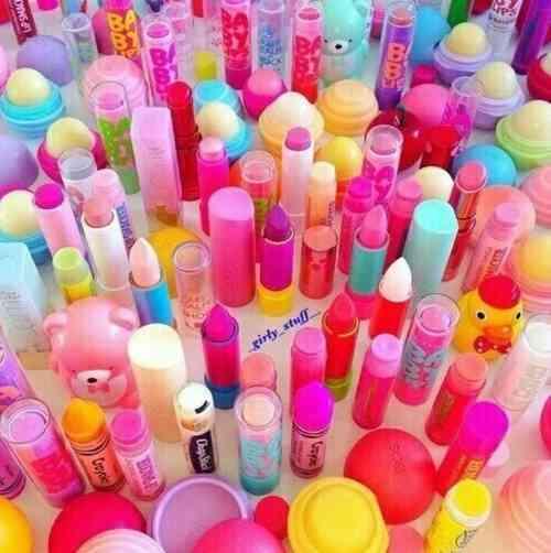 化粧の中でどのアイテムが好きですか?