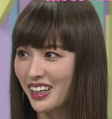 鈴木えみ、6年前の「ギャル期」ショット公開 ポニテ×濃いメイクが「かわいすぎやん」