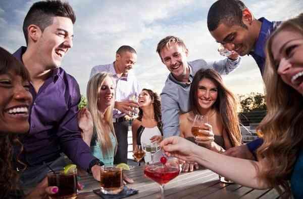 無職の時、友達と会いますか?