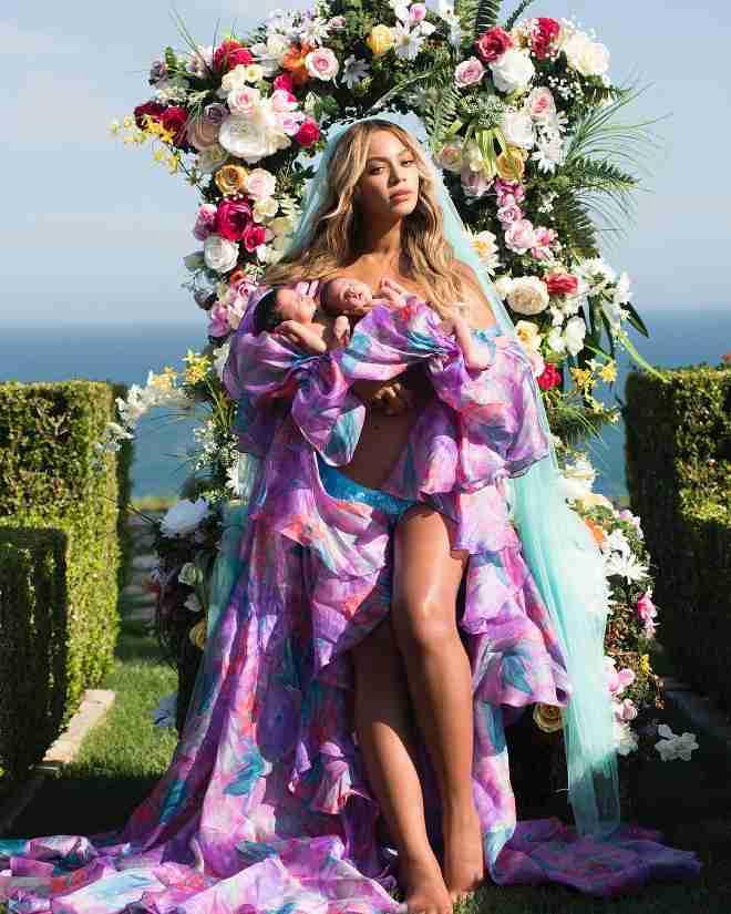 ビヨンセ、産後2か月でボディコン衣装! 美しすぎると絶賛の声