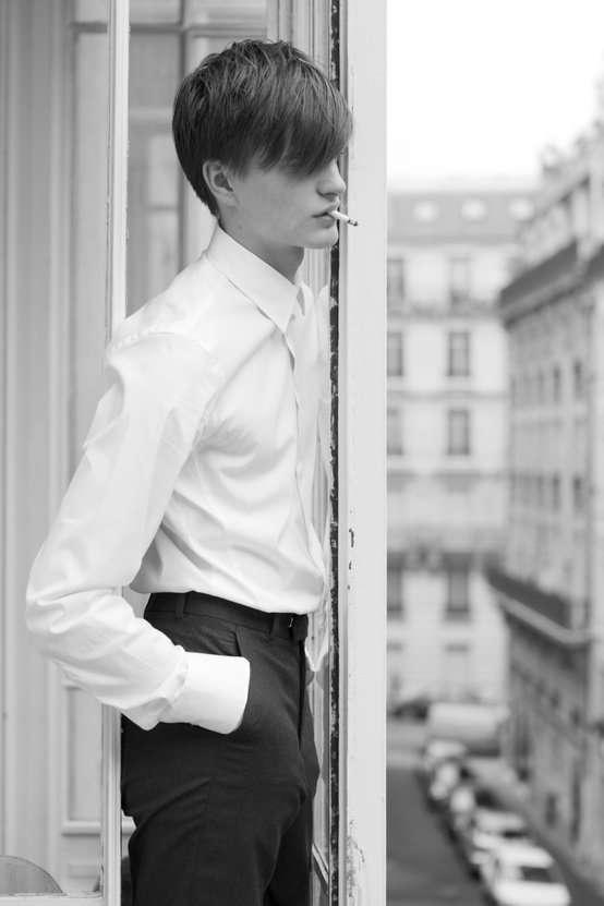 男性の白ワイシャツ姿が好き