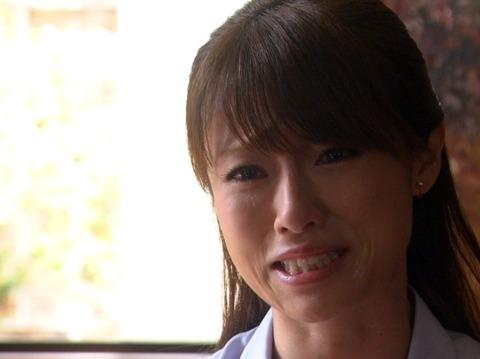 """深田恭子の""""ママ""""姿に「いいね」殺到「マリア様みたい」"""