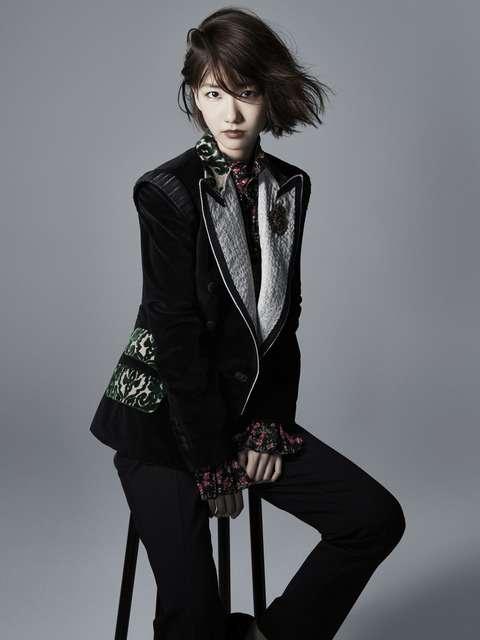 柏木由紀がファッションアイコンに!「新・ショートボブで出会うモードな私」。