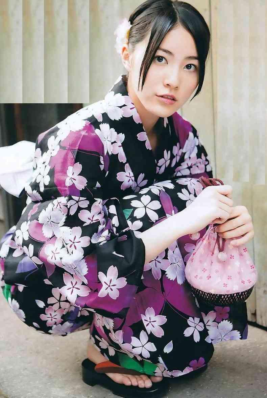 松井珠理奈、夏休みグラビアで浴衣&ビキニ姿を披露 20歳の色気とかわいらしさ