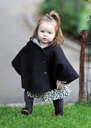 6歳のベッカム娘、引きずりそうなロングワンピで外出は可哀そうすぎる!?