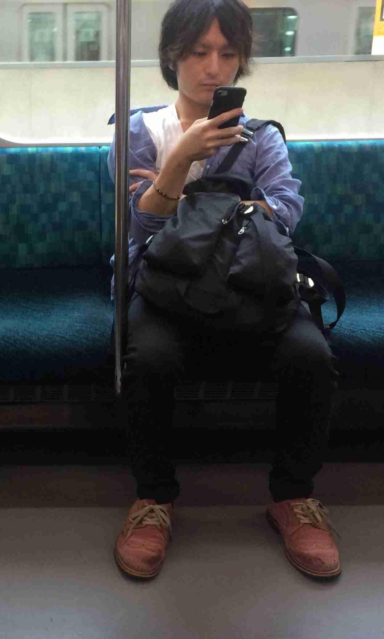 電車の中で自撮り