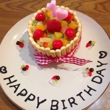 自分の誕生日当日はお祝いしてもらったり、どこかに行ったりしたいですか??