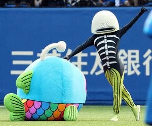 【野球】ロッテ「謎の魚」の「フード付きタオル」発売へ 「色んな使い方ができそう」