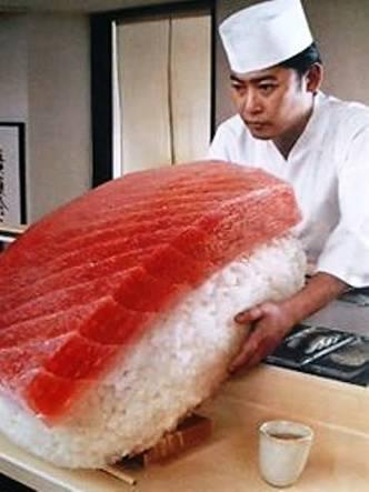 回転寿司で流れてきたら驚く物・流してみたい物