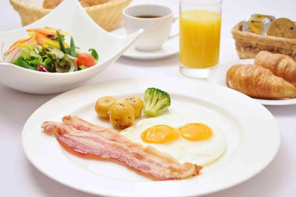 夫婦二人の朝食何食べてますか?