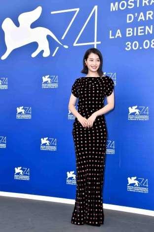 広瀬すず、福山雅治撮影のオフショット公開「女神かと思った」と反響