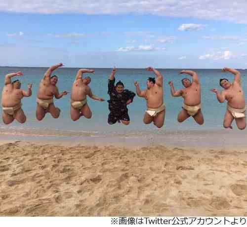 芸能人のジャンプ画像