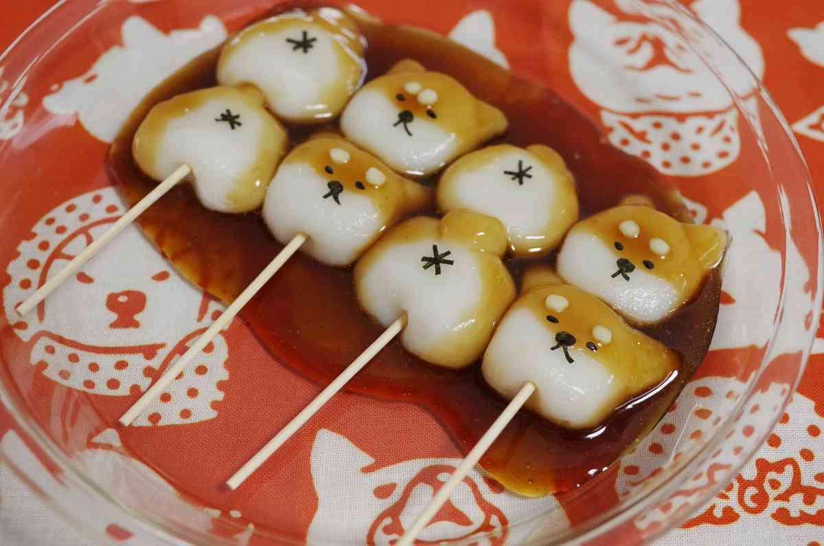 可愛すぎて食べるのがツライ…ツラくて串に刺せない、みたらしなニャンコたち!