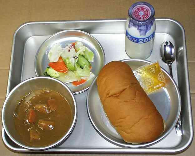 「まずい」と給食を大量に食べ残す生徒 ビートたけしの持論に賛否両論