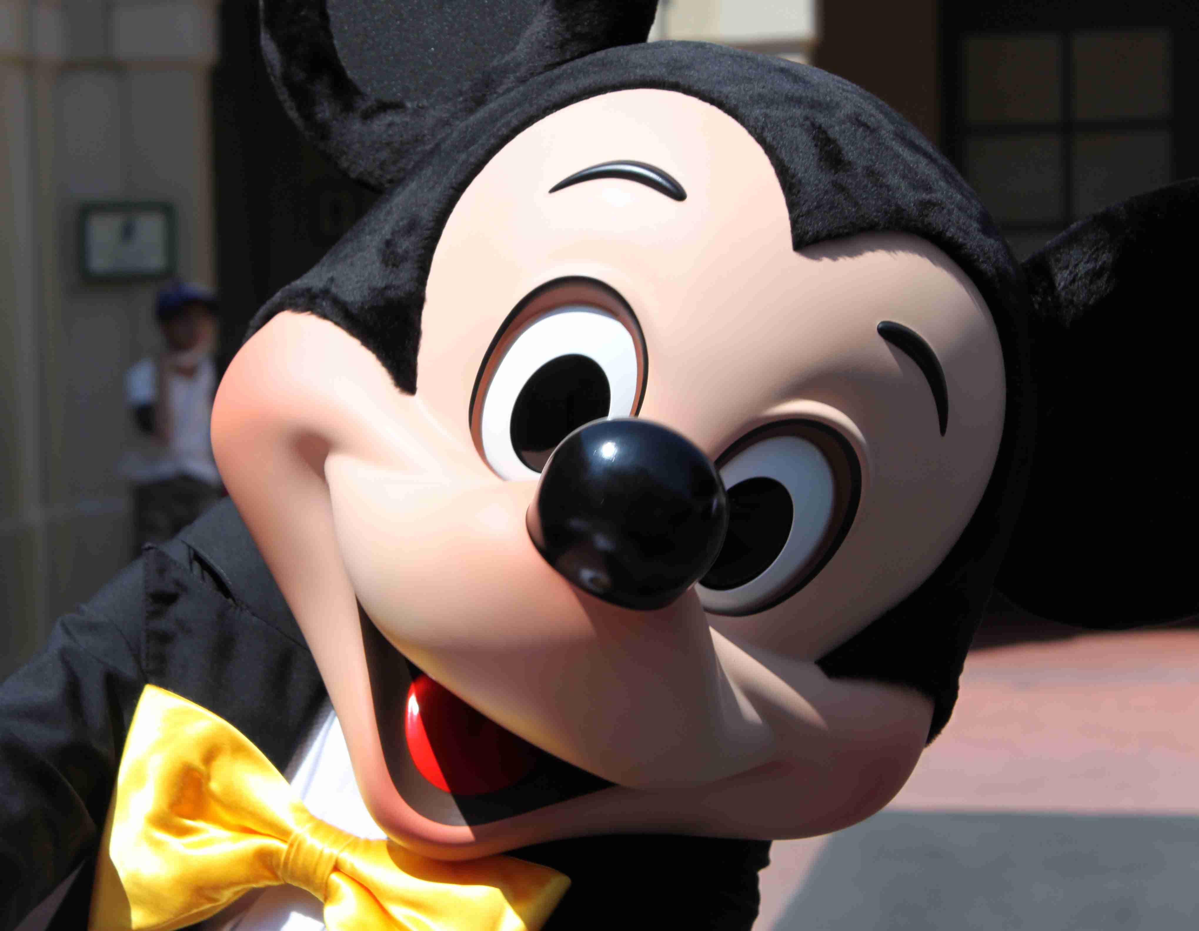 ミッキーマウスが絶対に言わなさそうなセリフを考えよう
