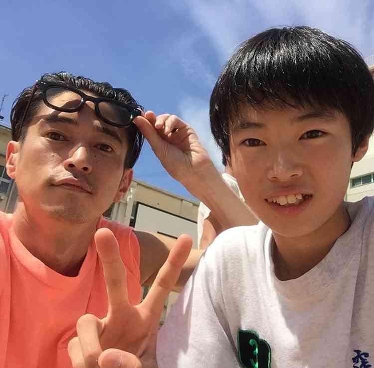 窪塚洋介、愛娘との入浴ショットにファン「パパの顔が最高!」