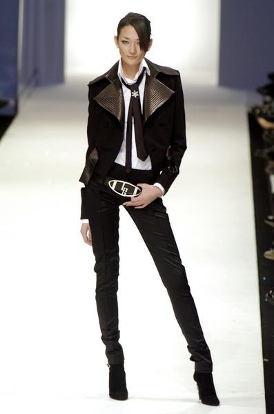 息子に伴って渡英予定の紗栄子はイギリスでモデル活動ができない!?